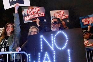 Mỹ trong tình trạng khẩn cấp