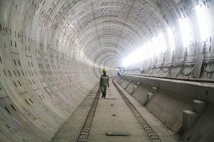 Cận cảnh hầm metro xuyên lòng đất ở trung tâm TP.HCM