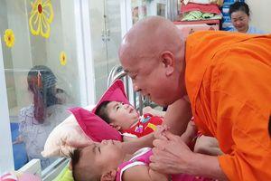 Sau Tết, bé trai bại não 8 tháng tuổi bị bỏ rơi ở chùa Kỳ Quang 2
