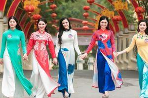 Người đẹp Kinh Bắc biến hóa qua từng trang phục