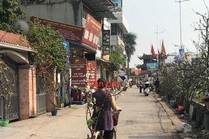 Dân Hà Nội 'cõng' lê trắng giá tiền triệu về chơi rằm tháng giêng