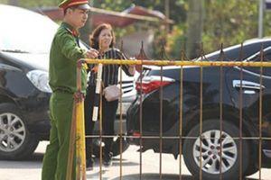 Hơn 2.000 người bảo vệ lễ khai ấn đền Trần
