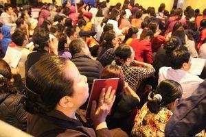 Hàng nghìn người làm lễ cầu an tại chùa Phúc Khánh