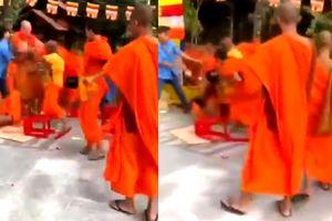 Clip nhóm sư chùa cầm ghế và tô đánh nhau trong thiền viện ở Đồng Nai