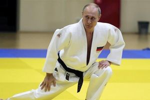 Nga sớm thay Mỹ thành lãnh đạo toàn cầu, ông Putin có thực sự 'siêu phàm' như lời đồn?