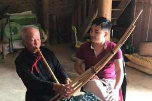 Người 'giữ hồn' văn hóa dân tộc Mông ở cao nguyên trắng Bắc Hà