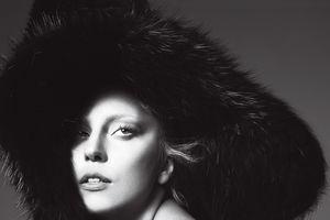 Cứ mỗi lần gặt vinh quang là một người đàn ông rời xa cuộc đời Lady Gaga