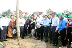 Thủ tướng Chính phủ dự lễ phát động Tết trồng cây năm 2019 tại huyện Đông Anh