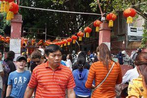 Rằm tháng Giêng người dân Sài Gòn đổ về chùa Ngọc Hoàng cầu an