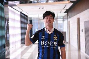 Công Phượng học tiếng Hàn Quốc dễ thương khiến người hâm mộ thích thú