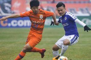 Quang Hải 'chào hàng' bóng đá Trung Quốc trong trận Hà Nội FC thua đậm!