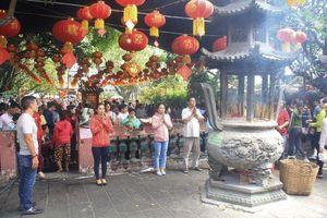 Người Sài Gòn nô nức lễ chùa cầu tài, cầu con ngày Rằm tháng Giêng