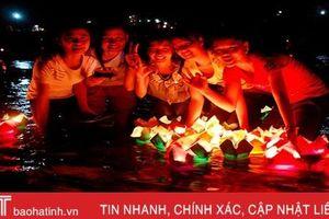 Rằm tháng Giêng, thả đèn hoa đăng cầu an trên sông Ngàn Phố