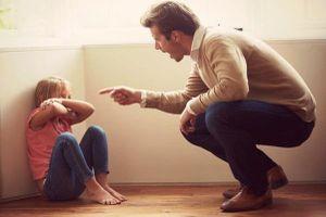 5 cách dạy dỗ sai lầm của cha mẹ khiến con càng lớn càng hư hỏng