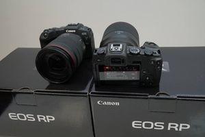 Canon ra mắt máy ảnh full-frame EOS RP siêu gọn nhẹ