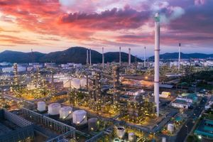 Trung Quốc trì hoãn phát triển mỏ khí ở Iran