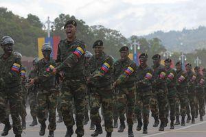Venezuela phong tỏa biên giới biển, hàng không ngăn hàng cứu trợ từ nước ngoài