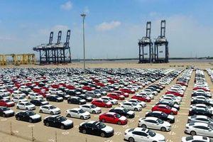 Doanh số bán hàng toàn thị trường ô tô Việt Nam giảm 2%