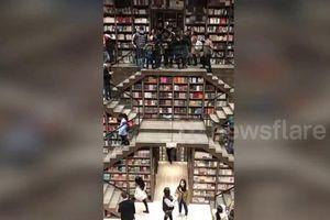 Clip: Choáng ngợp giữa hiệu sách khổng lồ - thiên đường của dân 'mọt sách'