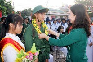 1.520 thanh niên An Giang lên đường nhập ngũ