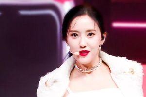 Cư dân mạng nghiêng ngả trước nhan sắc đỉnh cao của Hyomin (T-ara) với sân khấu comeback đầu tiên