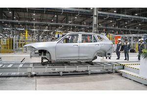 VinFast sản xuất thành công thân vỏ xe SUV Lux SA 2.0