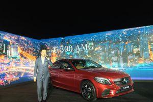 Mercedes-Benz ra mắt C-Class 2019 tại Việt Nam, chốt giá khiến đối thủ 'giật mình'