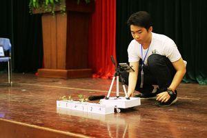 Học sinh chế tạo Robot thông minh phát hiện sâu bệnh trên cây trồng