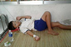 Nhiều học sinh nhập viện sau súc miệng bằng Fluor: Kỷ luật 2 cán bộ Y tế