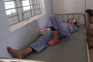 Nữ sinh lớp 8 rách giác mạc trong giờ thực hành hóa học