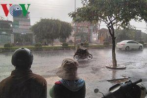Mưa lớn trong mùa khô, cảnh báo thời tiết bất thường ở Kon Tum