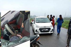Nữ tài xế taxi bị đối tượng chặn đường dùng dao đâm tử vong