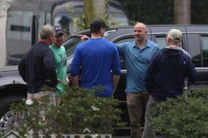 Mật vụ thắt chặt an ninh khách sạn có đoàn xe Tổng thống Mỹ lưu trú