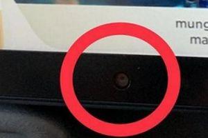 Hành khách phát hiện camera 'bí ẩn' trên màn hình tivi máy bay Singapore
