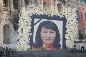 Xúc động tiễn đưa Phó Chủ tịch UBND TP HCM Nguyễn Thị Thu về nơi an nghỉ cuối cùng