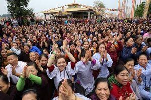 10.000 người dự đại lễ cầu an, cầu siêu tại Đại Bảo Tháp Mandala Tây Thiên
