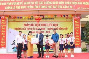 Công ty CP Văn phòng phẩm Hồng Hà đồng hành cùng Ngày hội học sinh tiểu học Quảng Bình