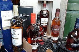 Bắt đối tượng vận chuyển hơn 1.000 chai rượu ngoại nhập lậu