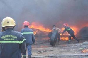 Cháy ngùn ngụt tại xưởng sản xuất lốp ôtô