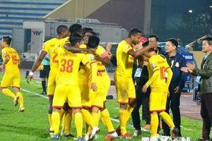 Vòng 1 V-League: Tân binh Viettel bại trận, Nam Định chiến thắng