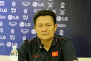 Thua đáng tiếc U22 Indonesia: HLV Nguyễn Quốc Tuấn không hài lòng về quyết định của trọng tài