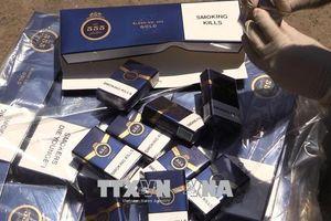 Tháo chạy khi bị phát hiện vận chuyển 15.000 bao thuốc lá nhập lậu