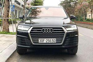 'Soi' Audi Q7 bản APEC giá hơn 3 tỷ đồng tại Hà Nội
