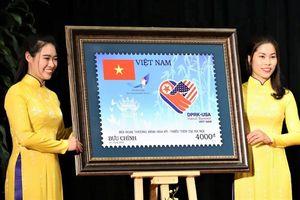 Bộ tem chào mừng Thượng đỉnh Mỹ - Triều có gì đặc biệt?