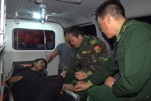 Kịp thời cấp cứu 1 thuyền viên bị xuất huyết dạ dày trên biển