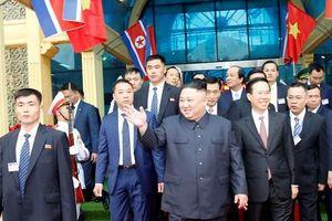Đoàn xe của Chủ tịch Triều Tiên Kim Jong-un đến Hà Nội