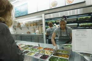 3 chàng trai Mỹ mở chuỗi cửa hàng salad dinh dưỡng trị giá cả tỷ USD