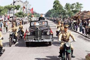 Ông nội của Nhà lãnh đạo Triều Tiên Kim Jong-un đi xe gì khi đến Việt Nam?