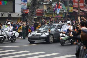 Chủ tịch Triều Tiên Kim Jong-un đến Hà Nội