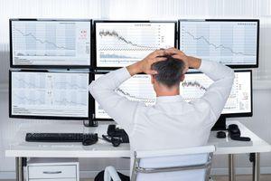 Nhà đầu tư ngoại thấp thỏm nguy cơ… bị đóng tài khoản thanh toán